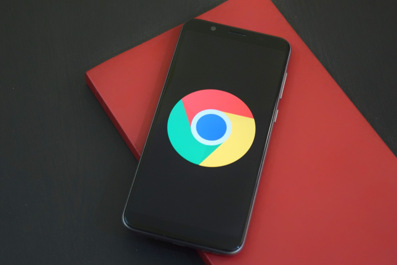 Google Chrome - browser logo on mobile phone